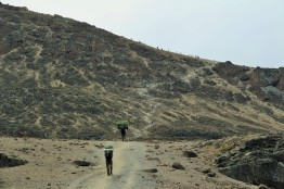 steep ridge leading to Barafu camp