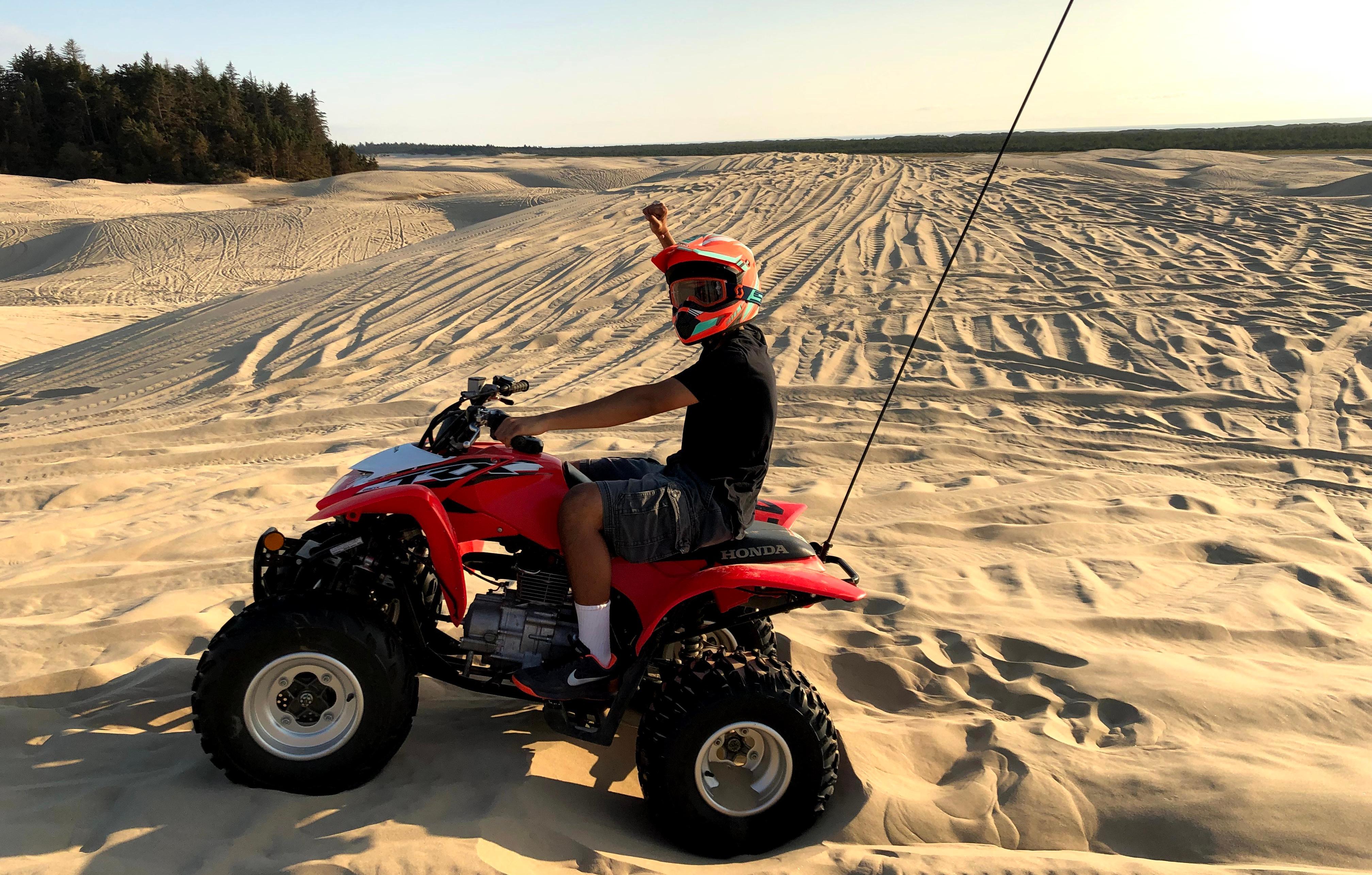 Sandboarding and Dunes Riding